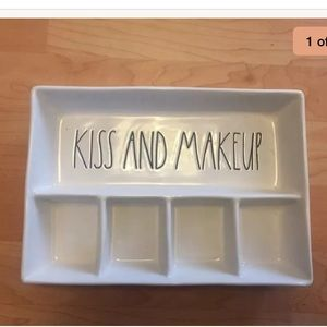 NEW Rae Dunn KISS AND MAKEUP trinket tray
